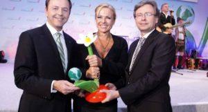 Michaela Reitterer bekommt den Österreichischen Klimaschutzpreises verliehen