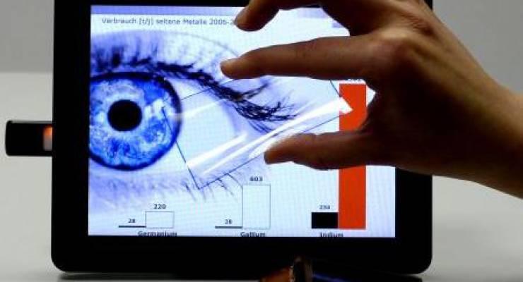 Touchscreens, die Carbon-Nanotubes enthalten, sind aus erneuerbaren Rohstoffen gefertigt. (© Fraunhofer IPA)