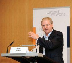 Jerry Stokes, President Suntech Europe plädiert für internationale Zusammenarbeit und Investitionen in  Forschung und Entwicklung