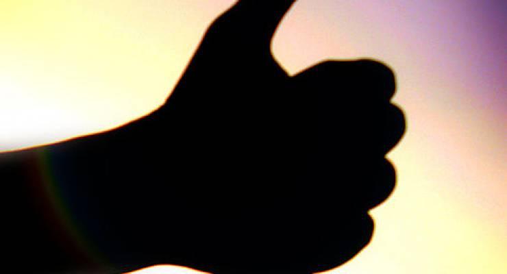 Daumen hoch; Foto: Wakalani (Wiki commons)