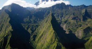 La Réunion ist aufgrund ihrer einzigartigen landschaftlichen Schönheit ein beliebtes Reiseziel