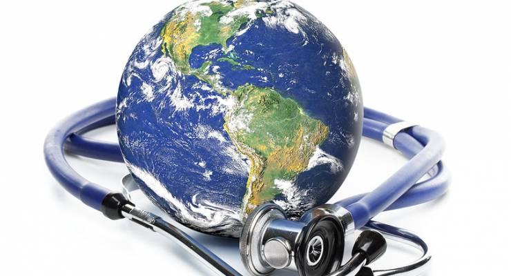 Globe mit Stethoskop
