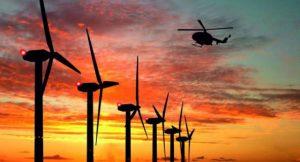 Bedarfsgerechte Befeuerung. Die Lichter der Windkraftanlagen blinken dank Radartechnik nur noch, wenn sich ein Luftfahrzeug nähert.