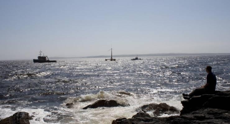 VolturnUS Windkraftanlage an der Küste Maines