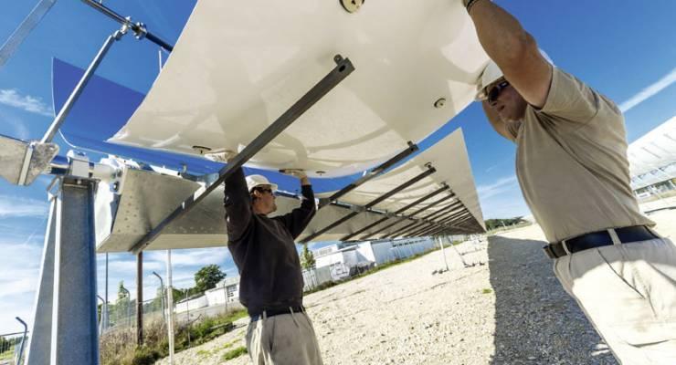 Aufbau der solarthermische Kraftwerks-Pilotanlage in Bad Aibling