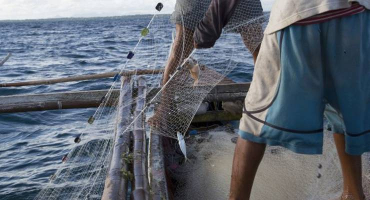 Net-Works: Ausrangierte Fischernetze werden zu Teppichfliesen