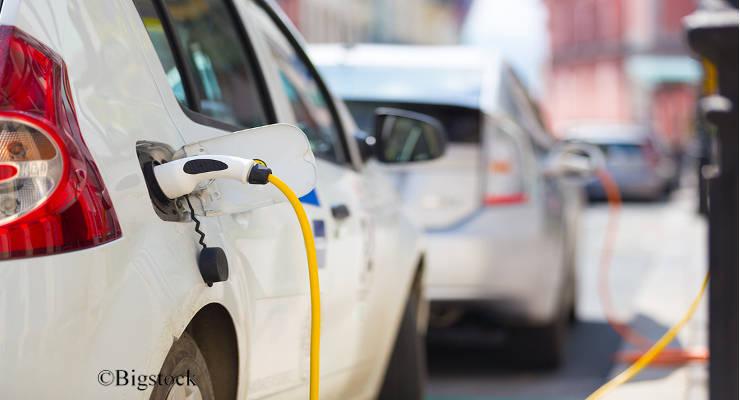 Wer fährt schon heute elektrisch? Und warum? Diese und weitere Fragen hat das DLR untersucht.