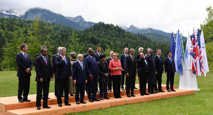 Die Staats- und Regierungschefs gestern vor Schloss Elmau in den bayerischen Alpen beim Gruppenfoto.
