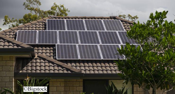 Vor allem Firmen und Privathaushalte werden laut Studie künftig verstärkt in Solaranlagen investieren.