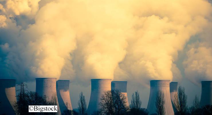 Kohlekraftwerke stoßen große Mengen Quecksilber und anderer giftiger Substanzen aus.