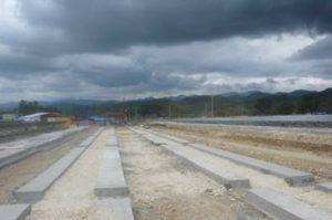 Betonfundamente für die Montagegestelle des Solarparks in San Carlos/Negros Occidental