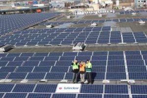 Im Lauf des 2. Quartals sind mehr als 100 Gigawatt Solarstromanlagen in Europa am Netz, so Erhebungen von IHS.