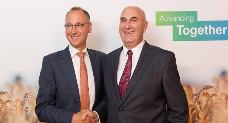 Bayer und Monsanto unterzeichneten am Mittwoch eine bindende Fusionsvereinbarung – NGOs zeigen sich besorgt © Bayer AG