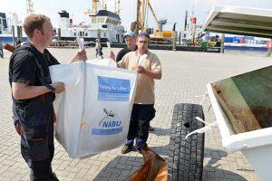 """Initiative """"Fishing For Litter"""". Foto: NABU"""