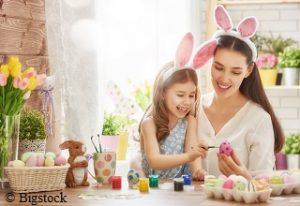 Umweltfreundliches Eierfärben