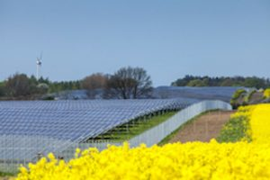 Mehr Investitionen in erneuerbare Energien. Foto: BMWi/Holger Vonderlind