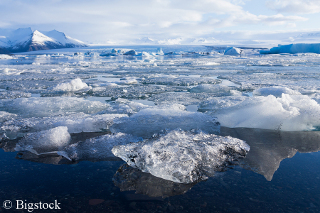 Arktiseis - Eisschmelze begünstigt Schifffahrt, Schifffahrt begünstigt Eisschmelze