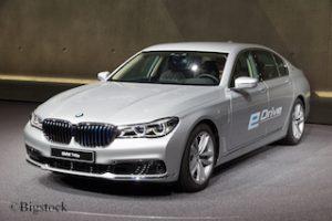 """Deutsche Umwelthilfe vergibt """"Grüne Karte"""" auch für den BMW 740e."""