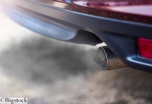 Autos produzieren bei jeder Fahrt Stickoxide und Feinstaub