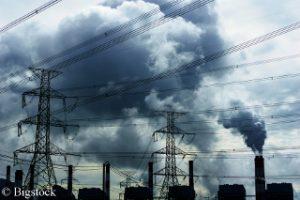 Ökostrom kann die Emissionen der Kohlekraftwerke nicht auffangen.