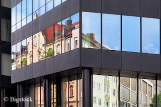 Energetische Sanierung: Vier Schritte zur Sanierung im Gebäudesektor.