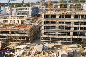Klimafreundliche Gebäude sind nicht für steigende Baukosten verantwortlich. Das belegt Studie des BEE.