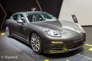 Panamera Plug-In-Hybrid bereits in dritter Generation. Für weitere Stromer investiert Porsche drei Milliarden in Elektromobilität.