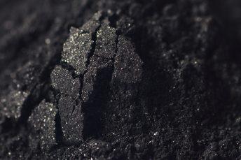 Kohlenstoff - Könnte mit neuen Technologien nachhaltig aus Altreifen gewonnen werden