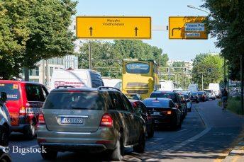 Wie hier in Berlin benötigt es etwa einen effizienten Stadtverkehr, um die Verkehrswende zu schaffen.