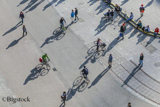 In Frankfurt ist man auf dem Fahrrad nachhaltig mobil unterwegs.